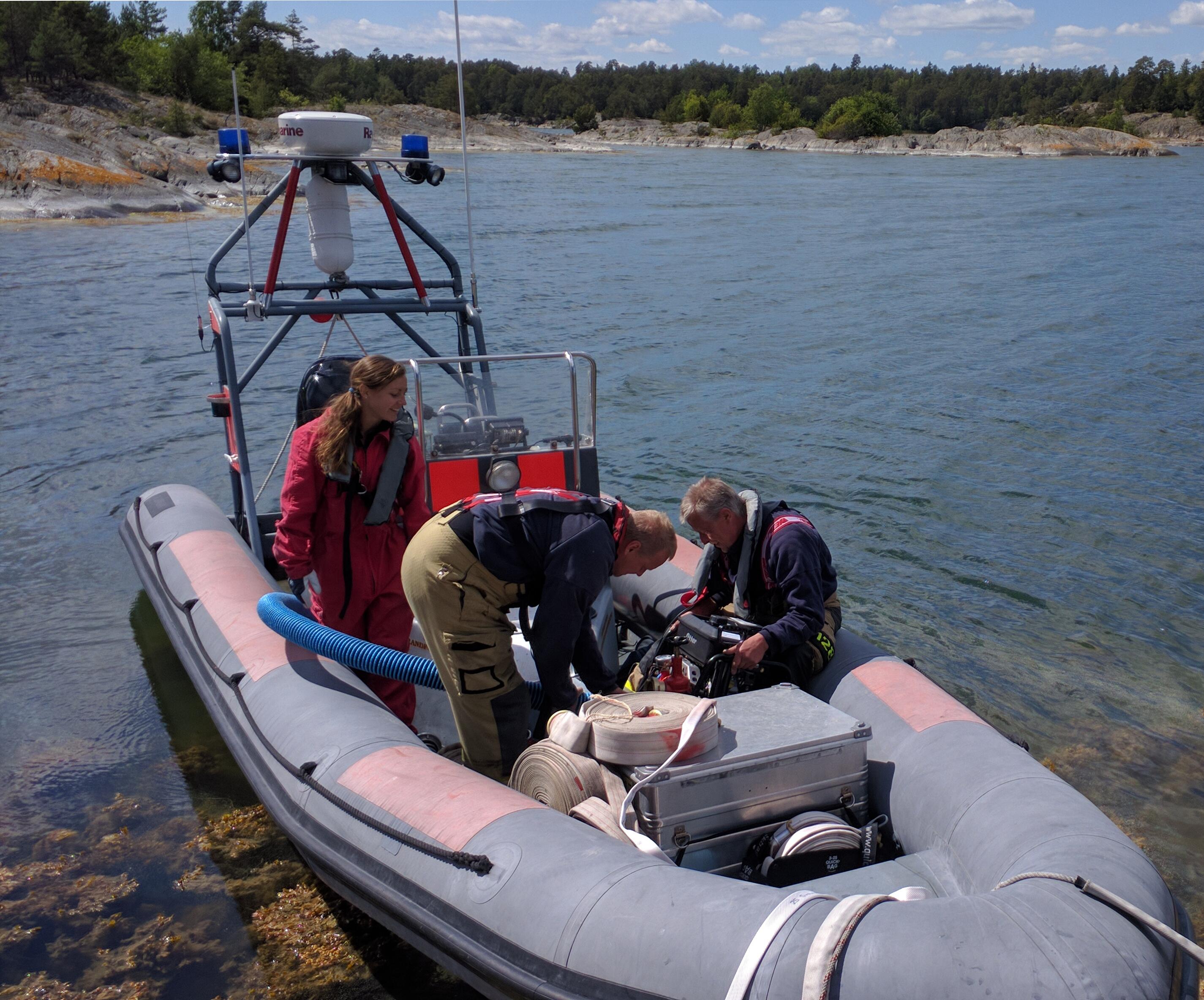 Räddningstjänsten kommer till Lindskär